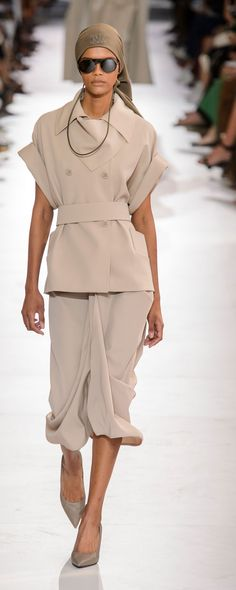 1afc9a7e8d8 Max Mara Fall 2019 Ready-To-Wear Collection Review