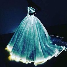 Dream Wedding Dress (never gonna happen) After Posen shared photos of the dress in all its glory, it instantly went viral.