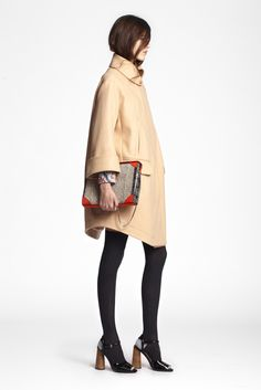 Carven Pre-Fall 2013 - Runway Photos - Fashion Week - Runway, Fashion Shows and Collections - Vogue Look Fashion, Winter Fashion, Fashion Show, Timeless Fashion, Runway Fashion, High Fashion, Looks Street Style, Oversized Coat, Carven
