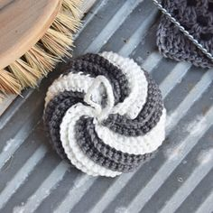 Ugens klud #3 - Hæklet spiral svamp | Eponas dagbog Crochet Home, Knit Crochet, Craft Show Ideas, Pretty Patterns, Diy Clothes, Diy And Crafts, Crochet Patterns, Crafty, Knitting