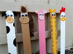 Craft stick crafts are fun for kids as they can be turned into just about anything. Make adorable barnyard farm animals and other great craft stick crafts! Kids Crafts, Summer Crafts, Toddler Crafts, Preschool Crafts, Craft Projects, Craft Ideas, Design Projects, Diy Ideas, Stem Projects