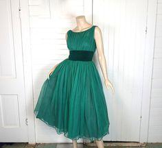 Jade Green Party Dress 50s / 60s Netting & Velvet 1950s Prom