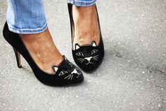 Love it!!! Kitten Heels von Charlotte Olympia via Streetfsn by Nam