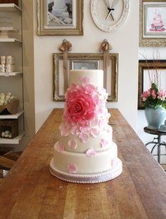 I love these Maggie Austin inspired flowers! This ombre pink design is fabulous!