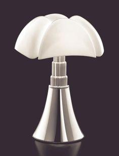 Pipistrello di Gae AULENTI Design Blog, Deco Design, Colorful Interior Design, Colorful Interiors, Architecture Design, Black Lounge, Futuristic Design, Decoration, Lamp Light