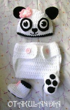 ¿Te gusta y quieres ver más? ¡Síguenos!: https://www.facebook.com/otakulandia.es/  Osita Panda Disfraz (Cosplay) realizado a mano en crochet para los más pequeñitos de la casa... ¡Perfecto para hacerle sus primeras fotos!