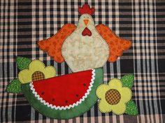 Gallina Applique Quilt Patterns, Applique Designs, Embroidery Applique, Felt Crafts, Diy And Crafts, Chicken Quilt, Chickens And Roosters, Coq, Mug Rugs