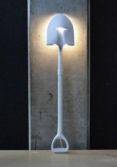 fabriquer un lampadaire design avec une pelle