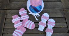 Mieheni sisko kysäisi jo keväällä, kun sai kuulla että hänen hyvä ystävänsä odottaa vauvaa, että voisinko tehdä vauvalle sukat ja t...