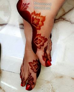 Image may contain: one or more people and shoes mehndi designs хна, узоры р Mehndi Designs Feet, Khafif Mehndi Design, Modern Mehndi Designs, Bridal Henna Designs, Mehndi Design Pictures, Mehndi Designs For Fingers, Beautiful Henna Designs, Latest Mehndi Designs, Henna Tattoo Designs