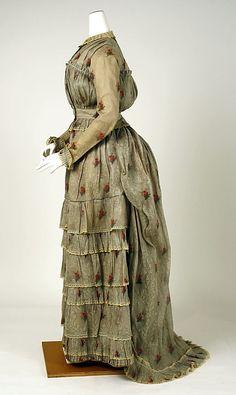 Dress  Date: ca. 1880 Culture: American Medium: cotton  Metropolitan Museum of Art  Accession Number: C.I.39.56.2a, b