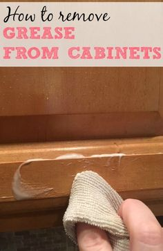 How to Remove Grease From Cabinets - Tired of your cabinets being a greasy mess? Check out this simple tip on how to remove grease from - Deep Cleaning Tips, House Cleaning Tips, Diy Cleaning Products, Cleaning Solutions, Spring Cleaning, Cleaning Hacks, Diy Hacks, Cleaning Recipes, Cleaning Grease