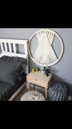 Diy Wall Art, Diy Wall Decor, Room Decor, Wool Wall Hanging, Wall Hangings, Handmade Home Decor, Knitted Blankets, Home Crafts, Macrame