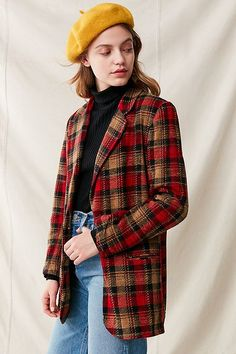 Shop Vintage Oversized Blazer at Urban Outfitters today. We carry all the latest styles, colors and brands for you to choose from right here. Style Parisienne, Vintage Outfits, Vintage Fashion, Look Blazer, Estilo Grunge, 90s Fashion, Womens Fashion, Oufits Casual, Oversized Blazer