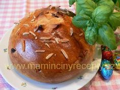 Mazanec z fary Baked Potato, Cupcake, Cooking Recipes, Pudding, Easter, Sweets, Bread, Baking, Ethnic Recipes