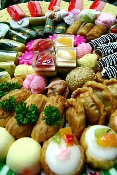 assorted indonesian cake by O.T