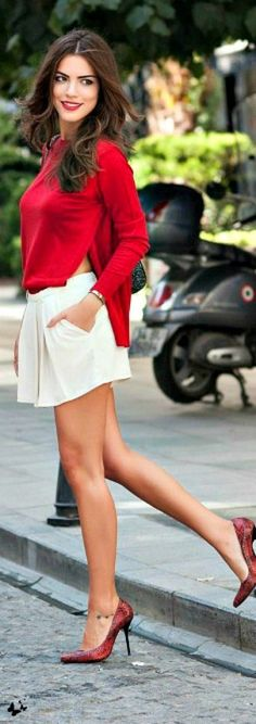 Falda blanca y blusa roja/ white skirt and red blouse