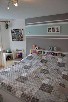 Einrichtung Schlafzimmer Interior Design bedroom türkis grau Streifen stripes grey turquoise