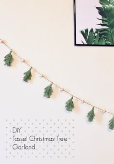 Tutorial for DIY Tassel Christmas Tree Garland Banner via The Beetique – Diy Garland 2020 Diy Christmas Garland, Christmas Banners, Christmas Tree Decorations, Christmas Christmas, Christmas Tree Beads, Xmas, Country Christmas, Christmas Projects, Holiday Crafts