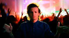 Louis hand dancing
