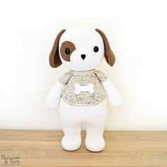 ***THIS IS A CROCHET PATTERN, NOT THE ACTUAL TOY*** English and Spanish Pattern Only. This pattern uses US Crochet Terms. The file contains a chart to show the conversions to UK Crochet Terms. Make your own Thomas the Friendly Dog with this CROCHET PATTERN. The pattern includes