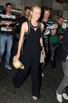 Diane Kruger airport look