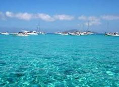 This #sea is true and it's in #Sicily, near #Favignana, the middle of #Aegadi Islands. Our #B&B Belveliero is in #Trapani port, in front of hidrofloils, are you ready to go to #Egadi? bebtrapanilveliero.it