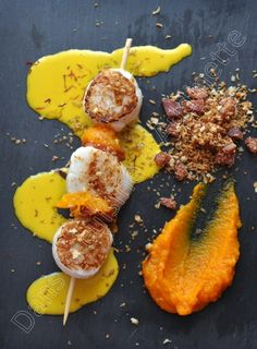 Scallops with chorizo ​​crumble and pink pomelo cream with saffron for the Winegrowers& Champagnes competition - In the cuisine of Audinette - - Mexican Dinner Recipes, Mexican Food Recipes, Lunch Recipes, Breakfast Recipes, Healthy Recipes, Chorizo, Chefs, Grilled Oysters, Grilling Gifts