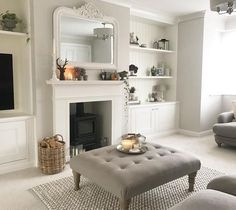 37 Simple Living Room Shelving Ideas for Space Saving Simple Living Room, New Living Room, Home And Living, Small Living, Modern Living, 1930s House Interior Living Rooms, Cosy Living Room Decor, Colour Schemes For Living Room, Country Living Rooms