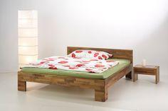 """Bett """"Luna"""" aus Nussbaumholz"""