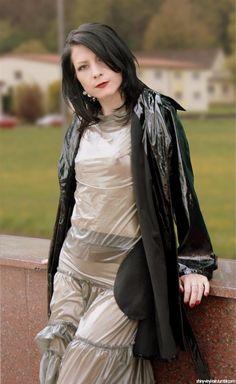 Beauty in yellow Raincoat Vinyl Raincoat, Pvc Raincoat, Plastic Raincoat, Rain Fashion, Tween Fashion, Womens Fashion, Mode Latex, See Through Clothes, Rubber Dress