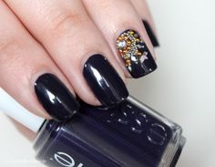 Nail Art: dark blue/lilac Nails and Oriental Glamour