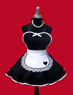 Women's Apron French Maid Apron Apron Womens by OnceUponAPoodle Retro Apron, Aprons Vintage, Maid Outfit Cosplay, Cool Aprons, French Maid, Sewing Aprons, Creation Couture, Maid Dress, Woman Fashion