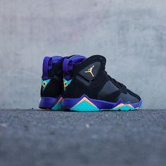 Jordan 7 Retro 'Court Purple'