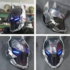 Pré-commande de casque de chevalier Arkham par UratzStudios sur Etsy