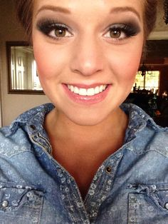Homeing Dresses Ideas of Homeing Dresses - Homeing Dresses - Ideas of Homeing Dresses - Formal makeup. Homeing Dresses Ideas of Homeing Dresses Formal makeup. Makeup Tips, Beauty Makeup, Eye Makeup, Hair Beauty, Pretty Makeup, Makeup Looks, Makeup Mascara, Ball Makeup, Prom Make Up