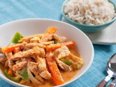 Thaigryte med strimlet svinekjøtt Norwegian Food, Cooking Recipes, Healthy Recipes, I Love Food, Thai Red Curry, Stew, Carrots, Healthy Eating, Healthy Food