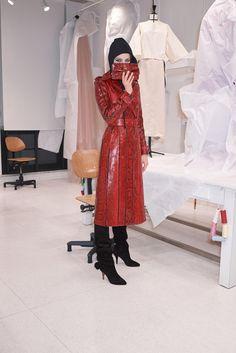 Valentino Pre-Fall 2018 Lookbook - The Impression, Fashion News