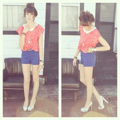 Sparrow Pattern Blouse, Blue Pleated Shorts, Flower Heels