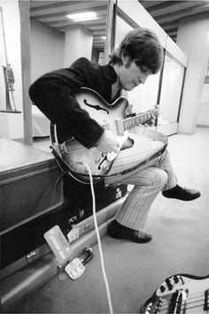 John Lennon in Tokyo,1966 - Robert Whitaker