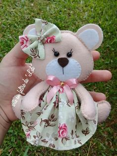 Felt Diy, Felt Crafts, Fabric Crafts, Diy Arts And Crafts, Crafts For Kids, Forest Animal Crafts, Felt Bookmark, Animal Doodles, Felt Patterns