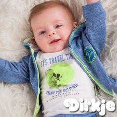 Reizen en genieten van de zomer met dit zomerse outfit uit de zomercollectie 2017 van Dirkje Babywear. #dirkje #babykleding #zomercollectie #dirkjebabywear #blauw #groen