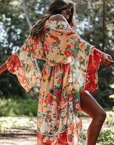 70s Paisley Floral Scarf Print Boho Gypsy Black Lace Back Kimono 127 mv Jacket S
