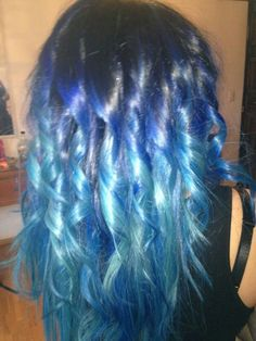 Blue hombre hair! I really want to do this.