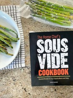 Trying a sous vide asparagus recipe from The Home Chef's Sous Vide Cookbook | sipbitego.com #sipbitego #sousvidevegetables #sousvide #asparagus #cookbook Sous Vide Asparagus, Sous Vide Vegetables, Asparagus Recipe, Sous Vide Cooking, Home Chef, Breakfast Dishes, Brisket, Pork, Recipes