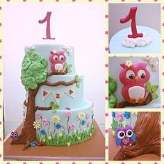 Yza's Owl Cake - by Paperandflour @ CakesDecor.com - cake decorating website