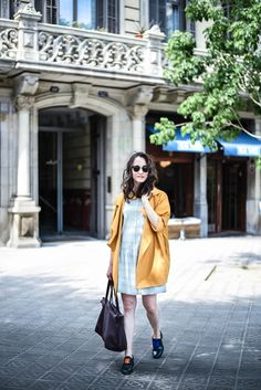 Trench and dress street style look Barcelona