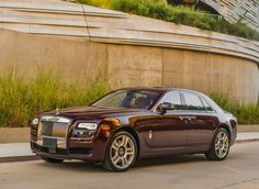 Rent #Rolls #Royce, a super luxury car is perfect to rent for various occasions. Get yourself a treat Rent Rolls Royce in Atlanta today!