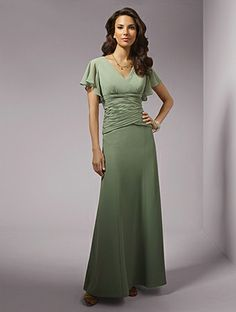A-Line V-Neck Empire Waist Pleated Long Chiffon Cap Sleeves Green Mother of The Bride Dresses MD0558