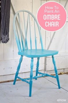 With a simple ombre technique, transform a basic wooden chair into a furniture piece that is trendy and chic. Painted Wooden Chairs, Painting Wooden Furniture, Diy Pallet Furniture, Upcycled Furniture, Furniture Makeover, Wooden Chair Makeover, Rustic Furniture, Painted Rocking Chairs, Chalk Paint Chairs
